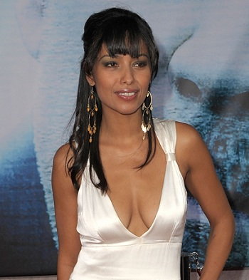 meta golding enobaria catching fire