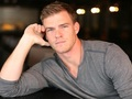 Hot_content_alan_ritchson_catching_fire