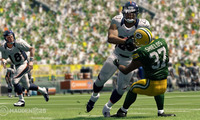 Article_list_madden_25_willis_mcgahee_running_over_shields