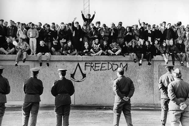 assassin's creed cold war berlin wall