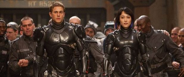 Pacific Rim (2013) - Feature