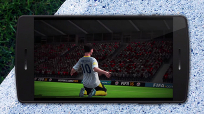 FIFA 16 Ultimate Team launches on mobile