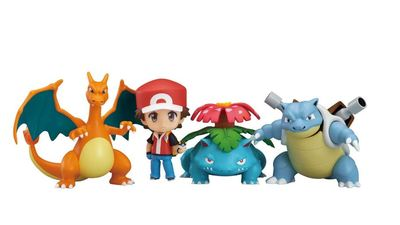 Unboxing Pokemon Trainer Red: Champion Ver. Nendoroid
