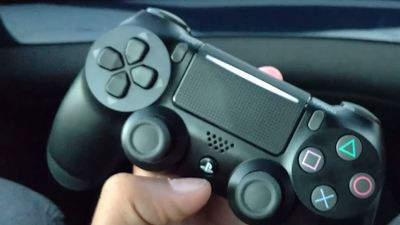 [Watch] Video showcasing PS4 Slim's new DualShock 4 controller leaks