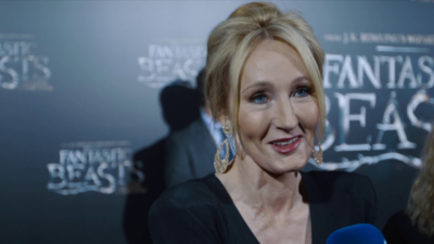 J.K. Rowling says it's 'ambitious' to fit Fantastic Beasts into just 5 movies / photo credit: Magic
