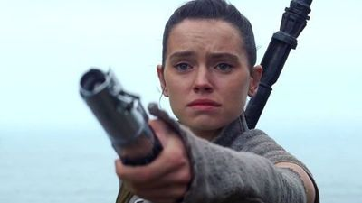 [Watch] Olaf From Frozen Pesters Daisy Ridley about The Last Jedi