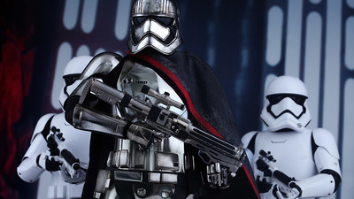 The Last Jedi Has Captain Phasma with a New Spear-like Weapon