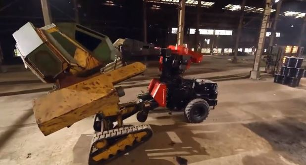 Giant robot battle over, America win; Social media reactions to show all over the place