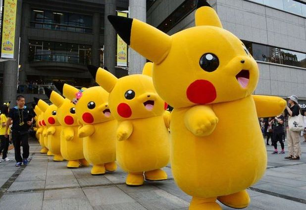 Man dresses as Pikachu runs onto White House lawn in hopes of being famous Gets caught