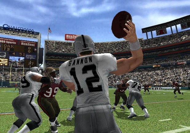 NFL GameDay 2004 - Feature