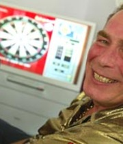 Bobby George's Pro-Celebrity Home and Away Darts Boxart