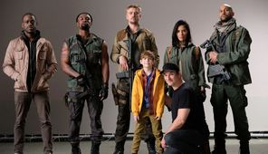 """Predator aiming for R-rating; Photo of """"partial cast"""" revealed"""